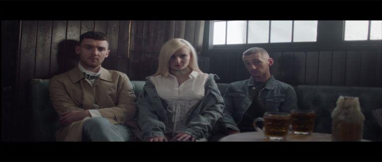 Clean Bandit - Rockabye ft. Sean Paul & Anne-Marie czasoumilacz